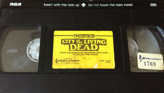 City of the Living Dead Inter Light VHS Video label